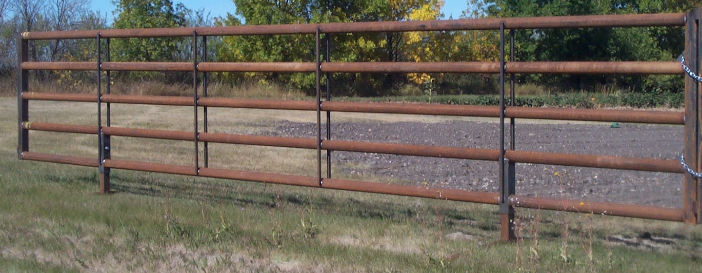 Free standing panels double r farm equipment for Free standing fence diy